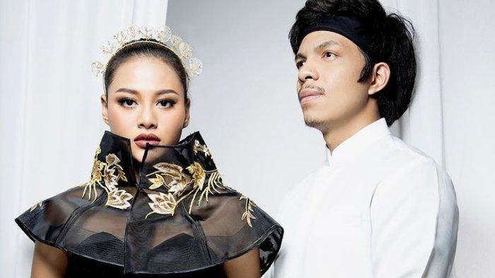 Orang Misterius Kirim 2 Kantong Plastik Berisi Uang untuk Pernikahan Aurel dan Atta Halilintar