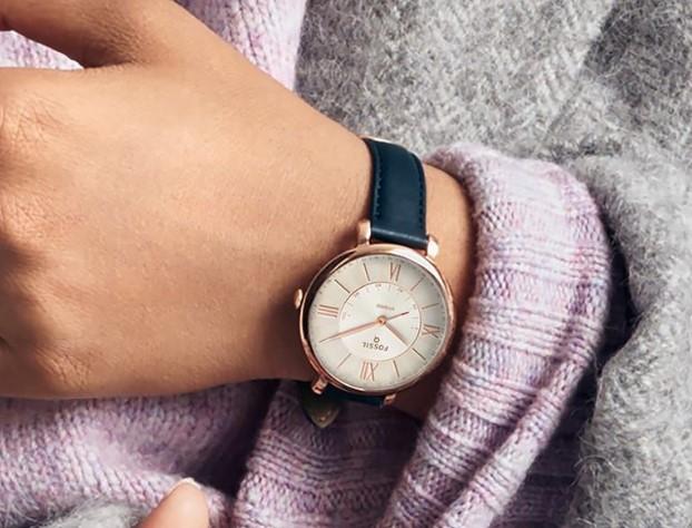 Rekomendasi Smartwatch Hybrid Untuk Wanita Dari Fossil